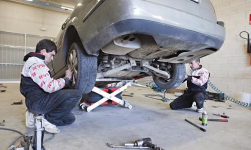 Kontakt z klientem istotny dla mechaników - wyniki ankiety